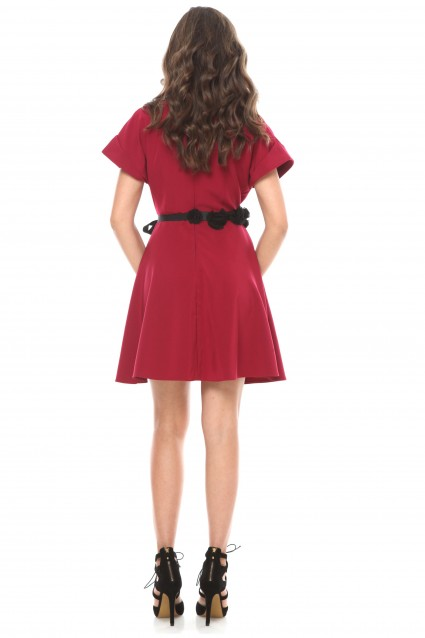 Rochie marsala Roserry clos din stofa eleganta cu aplicatie pe talie